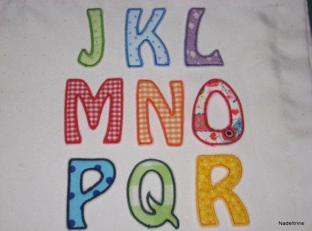 Buchstabenapplikationen J-R